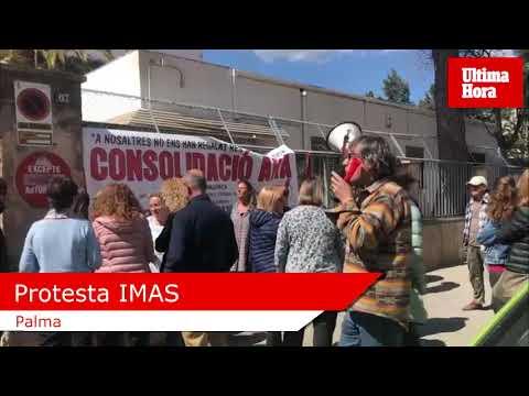Protesta de trabajadores del IMAS por su situación laboral