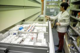 Los farmacéuticos piden «la solución menos dolorosa» a la ilegalización de 18 boticas