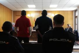 Condenados dos hombres por intentar robar a otro en Palma y rajarle la cara con una botella rota