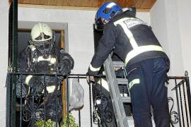 Un incendio calcina una casa en Esporles y causa daños a otras dos