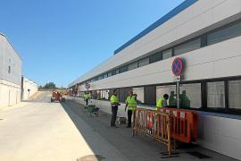 Tragsa evalúa las instalaciones de Can Misses afectadas por las moscas