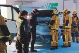 Susto en Marratxí al incendiarse un camión en una gasolinera