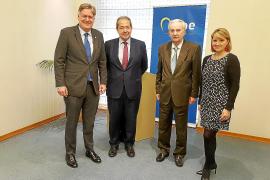 Cabotá presenta en la UE un campus que podría acoger a 30.000 estudiantes