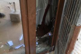 Detenido un ladrón que se escondía debajo de la cama de una vivienda en Can Picafort