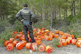 La Guardia Civil desactiva 243 extintores explosivos distribuidos en la isla de Cabrera