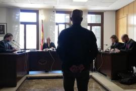 Condenado por grabar una conversación de su ex en un bar de Palma