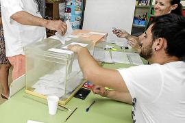 Los extranjeros con derecho a voto, claves en varios municipios