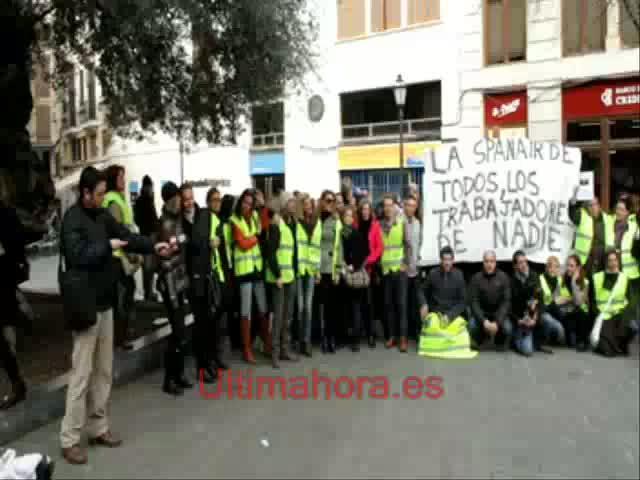 Los trabajadores de Spanair piden a la Generalitat que se haga cargo del cierre