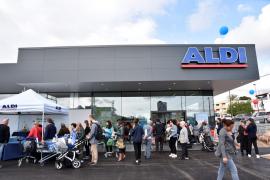 Aldi inaugura su primer supermercado en Ibiza
