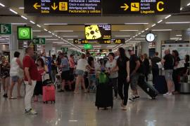 Localizada en el aeropuerto de Palma una menor evadida de la justicia