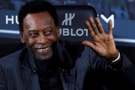 Pelé tranquiliza a sus fans: «Me encuentro mucho mejor»