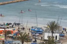 Embarcación encallada en s'Arenal