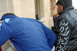 Detenido un hombre por perseguir a su inquilino con un machete de 50 centímetros en Son Roca