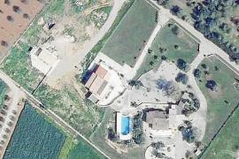 La Agència de Defensa del Territori ha abierto expediente a dos edificaciones en Campos