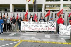 Los trabajadores de limpieza de Vila y Sant Antoni harán huelga indefinida a partir de julio