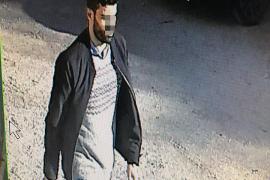 Buscan a un joven que fue grabado en La Vileta tras asaltar a ancianos