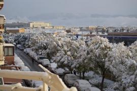 Cuatro carreteras siguen cortadas por la nieve en Mallorca