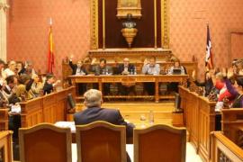 El Consell halla una «solución transitoria» para no recortar el sueldo a sus funcionarios