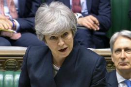 May critica las condiciones de la prórroga y rechaza las «estrictas condiciones» de la UE