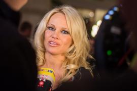 Pamela Anderson defiende a Assange y llama «diablos y mentirosos» a Ecuador, Reino Unido y Trump
