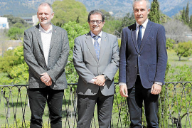 Enrique García Riaza sustituye a Jaume Carot como vicerrector de Investigación de la Universitat