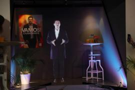 El holograma de Rivera pide el voto desde Segovia como un guiño a la España rural