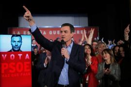 Sánchez arenga a los suyos en el arranque de la campaña: «¡A votar y a ganar! a los tres temores»