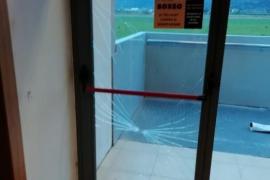 Destrozos en el instituto Can Peu Blanc y en la Plaça Major de sa Pobla