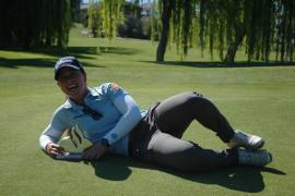Nuria Iturrioz se impone en el Santander Golf Tour