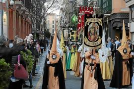 La Semana Santa arranca en Palma con una llamada al silencio