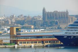 La Autoritat Portuària inicia el derribo de la torre de la Estación Marítima 1