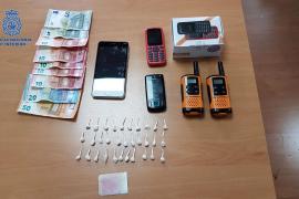 Desarticulados dos puntos de venta de droga por 'walkie talkie' en Son Gotleu