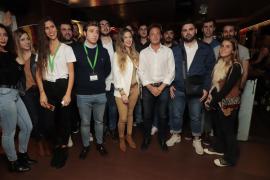 Unos 120 jóvenes brindan por España en un acto organizado por Vox en Palma