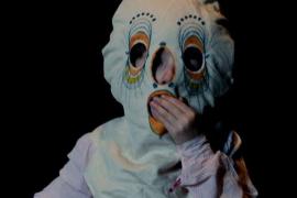 La obra de teatro 'Kind (Child)' de la compañía Peeping Tom se representa en el Teatre Principal