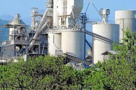 La reconversión de Cemex prevé dos plantas fotovoltaicas en Lloseta y Petra en rústico