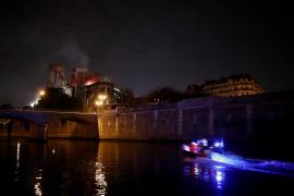 El terrible incendio de Notre Dame de París, bajo control