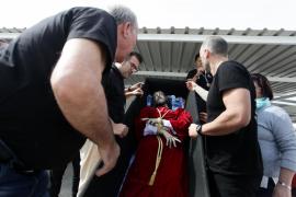 El Vía Crucis del Cautivo en el centro penitenciario de Ibiza, en imágenes (Fotos: Daniel Espinosa).