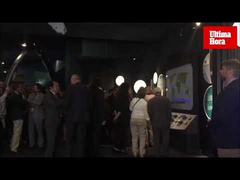 Doña Sofía inaugura una proyección sobre ballenas jorobadas en el Palma Aquarium