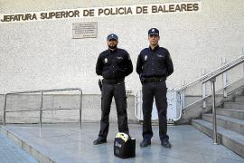 Tres policías salvan la vida de un joven estudiante que sufrió un ataque alérgico