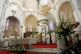 Misa crismal el Jueves Santo en la Catedral de Ibiza