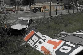 Un conductor se estrella junto a la gasolinera de Andratx y huye del lugar