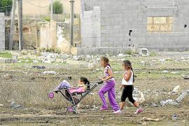 El realojo de los menores de Son Banya reduce a la mitad su absentismo escolar