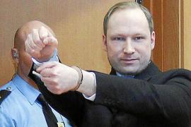 Breivik pide su liberación inmediata y que se le condecore por sus actos