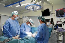 Son Espases cierra camas en la unidad de enfermos críticos del corazón
