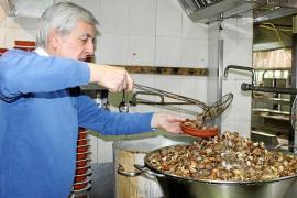 El Cruce de Vilafranca prepara 5.000 kilos de caracoles para Sant Marc