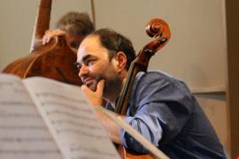 Los músicos internacionales Christophe Coin y Akiko Ebi actúan en la Cartuja de Valldemossa