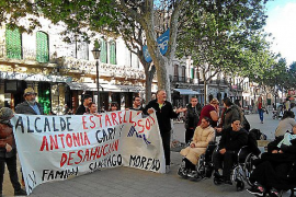 Stop Desahucios reclama ante el Ajuntament de Llucmajor una vivienda digna para la familia de Santiago Moreno