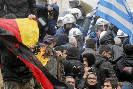 Grecia intenta evitar la quiebra negociando a contrarreloj un acuerdo con la UE y el FMI