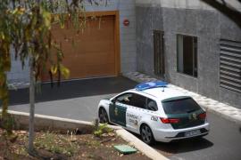 Prisión para el detenido por la muerte de su mujer y su hijo en Tenerife