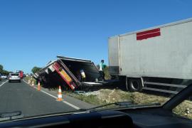 Cientos de vehículos atrapados en la carretera de Manacor